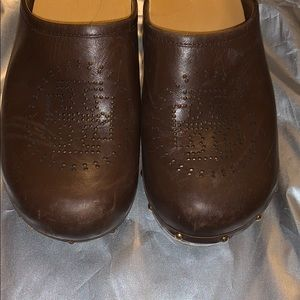 Tory Burch Perforated Leather Clogs SZ 8